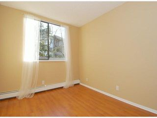"Photo 9: 107 8870 CITATION Drive in Richmond: Brighouse Condo for sale in ""CARTWELL MEWS"" : MLS®# V1036917"