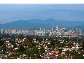 "Photo 1: 2204 5833 WILSON Avenue in Burnaby: Central Park BS Condo for sale in ""PARAMOUNT I"" (Burnaby South)  : MLS®# V1088635"