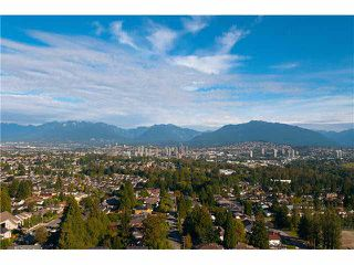 "Photo 2: 2204 5833 WILSON Avenue in Burnaby: Central Park BS Condo for sale in ""PARAMOUNT I"" (Burnaby South)  : MLS®# V1088635"