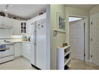 """Photo 12: 218 5835 HAMPTON Place in Vancouver: University VW Condo for sale in """"ST JAMES HOUSE"""" (Vancouver West)  : MLS®# V1116067"""