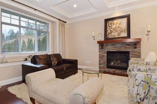 "Photo 3: 2460 LLOYD Avenue in North Vancouver: Pemberton Heights House for sale in ""PEMBERTON HEIGHTS"" : MLS®# R2030093"