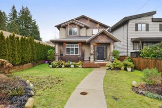 "Photo 1: 2460 LLOYD Avenue in North Vancouver: Pemberton Heights House for sale in ""PEMBERTON HEIGHTS"" : MLS®# R2030093"