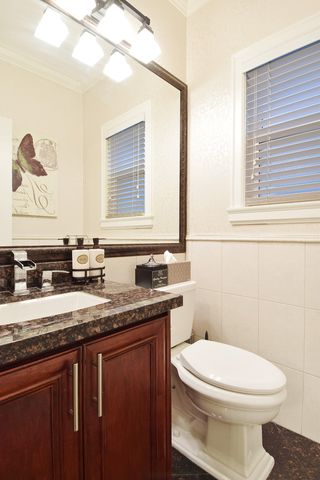 "Photo 11: 2460 LLOYD Avenue in North Vancouver: Pemberton Heights House for sale in ""PEMBERTON HEIGHTS"" : MLS®# R2030093"