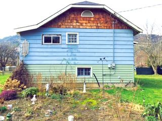 """Photo 2: 39666 GOVERNMENT Road in Squamish: Business Park House for sale in """"North Yards"""" : MLS®# R2039569"""