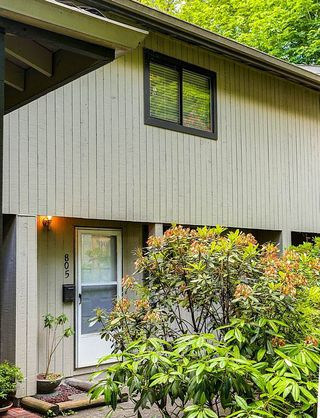 Photo 2: 805 ALEXANDER Bay in Port Moody: North Shore Pt Moody Townhouse for sale : MLS®# R2076005
