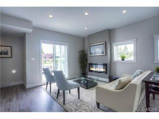 Photo 2: 102 2737 Jacklin Rd in VICTORIA: La Langford Proper Row/Townhouse for sale (Langford)  : MLS®# 737621