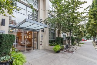 "Photo 1: 1007 1225 RICHARDS Street in Vancouver: Downtown VW Condo for sale in ""THE EDEN"" (Vancouver West)  : MLS®# R2107560"