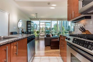 """Photo 2: 903 168 E ESPLANADE Street in North Vancouver: Lower Lonsdale Condo for sale in """"ESPLANADE WEST AT THE PIER"""" : MLS®# R2111984"""