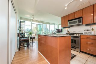 """Photo 4: 903 168 E ESPLANADE Street in North Vancouver: Lower Lonsdale Condo for sale in """"ESPLANADE WEST AT THE PIER"""" : MLS®# R2111984"""