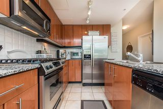 """Photo 3: 903 168 E ESPLANADE Street in North Vancouver: Lower Lonsdale Condo for sale in """"ESPLANADE WEST AT THE PIER"""" : MLS®# R2111984"""