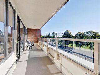 Photo 3: 401 1175 Newport Ave in VICTORIA: OB South Oak Bay Condo for sale (Oak Bay)  : MLS®# 743446