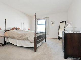 Photo 8: 401 1175 Newport Ave in VICTORIA: OB South Oak Bay Condo for sale (Oak Bay)  : MLS®# 743446
