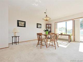 Photo 5: 401 1175 Newport Ave in VICTORIA: OB South Oak Bay Condo for sale (Oak Bay)  : MLS®# 743446