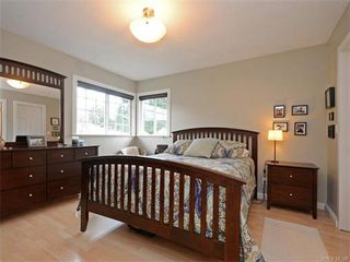 Photo 9: 445 Terrahue Road in VICTORIA: Co Wishart South Single Family Detached for sale (Colwood)  : MLS®# 372058
