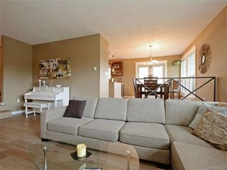 Photo 8: 445 Terrahue Road in VICTORIA: Co Wishart South Single Family Detached for sale (Colwood)  : MLS®# 372058