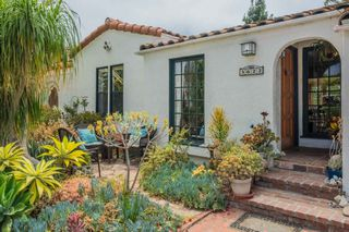 Photo 1: MISSION HILLS House for sale : 3 bedrooms : 3622 Dove Ct in San Diego