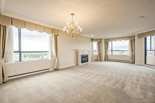Photo 2: 1104 2189 W 42ND Avenue in Vancouver: Kerrisdale Condo for sale (Vancouver West)  : MLS®# R2168215