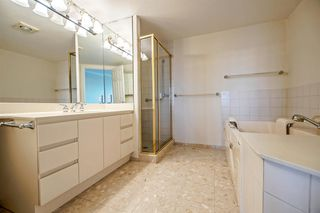 Photo 13: 1104 2189 W 42ND Avenue in Vancouver: Kerrisdale Condo for sale (Vancouver West)  : MLS®# R2168215
