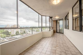 Photo 9: 1104 2189 W 42ND Avenue in Vancouver: Kerrisdale Condo for sale (Vancouver West)  : MLS®# R2168215