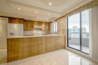 Photo 8: 1104 2189 W 42ND Avenue in Vancouver: Kerrisdale Condo for sale (Vancouver West)  : MLS®# R2168215