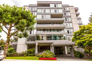 """Photo 1: 115 1420 DUCHESS Avenue in West Vancouver: Ambleside Condo for sale in """"The Westerlies"""" : MLS®# R2187312"""