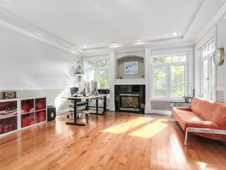 Photo 4: 2011 137A Street in Surrey: Elgin Chantrell House for sale (South Surrey White Rock)  : MLS®# R2201254