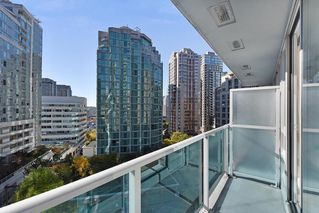 "Photo 12: 1102 788 HAMILTON Street in Vancouver: Downtown VW Condo for sale in ""TV TOWERS 1"" (Vancouver West)  : MLS®# R2217324"