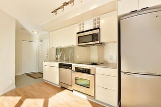 "Photo 4: 1102 788 HAMILTON Street in Vancouver: Downtown VW Condo for sale in ""TV TOWERS 1"" (Vancouver West)  : MLS®# R2217324"