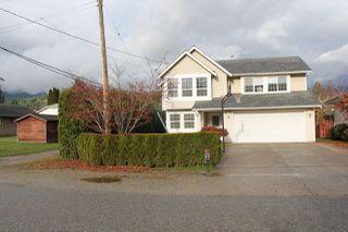 Photo 1: 525 RUPERT Street in Hope: Hope Center House for sale : MLS®# R2221733