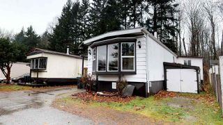 "Photo 2: 37 40157 GOVERNMENT Road in Squamish: Garibaldi Estates Manufactured Home for sale in ""Spiral Mobile Home Park"" : MLS®# R2226149"