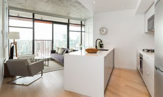 "Photo 2: 4108 128 W CORDOVA Street in Vancouver: Downtown VW Condo for sale in ""WOODWARDS"" (Vancouver West)  : MLS®# R2244118"