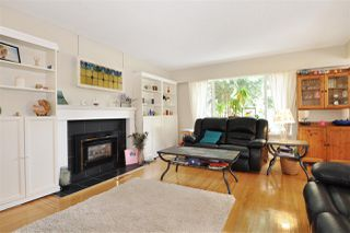 Photo 2: 3145 RALEIGH Street in Port Coquitlam: Central Pt Coquitlam House for sale : MLS®# R2255982