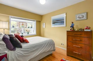 "Photo 13: 920 SURREY Street in New Westminster: The Heights NW House for sale in ""The Heights"" : MLS®# R2276735"