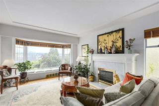 "Photo 4: 920 SURREY Street in New Westminster: The Heights NW House for sale in ""The Heights"" : MLS®# R2276735"