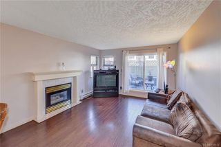 Photo 3: 111 3008 Washington Ave in VICTORIA: Vi Burnside Condo for sale (Victoria)  : MLS®# 797937
