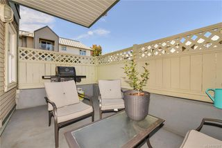Photo 5: 111 3008 Washington Ave in VICTORIA: Vi Burnside Condo for sale (Victoria)  : MLS®# 797937