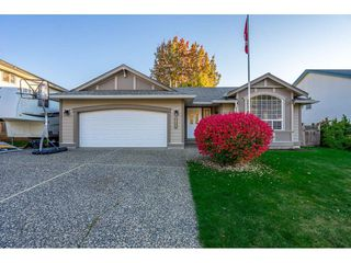 Photo 1: 46472 EDGEMONT Place in Sardis: Promontory House for sale : MLS®# R2316371