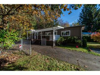 "Photo 2: 18 45955 SLEEPY HOLLOW Road: Cultus Lake Manufactured Home for sale in ""Liumchen Village"" : MLS®# R2318464"