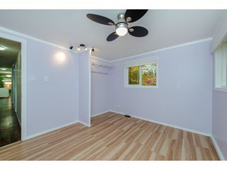 """Photo 15: 18 45955 SLEEPY HOLLOW Road: Cultus Lake Manufactured Home for sale in """"Liumchen Village"""" : MLS®# R2318464"""