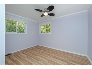 """Photo 14: 18 45955 SLEEPY HOLLOW Road: Cultus Lake Manufactured Home for sale in """"Liumchen Village"""" : MLS®# R2318464"""