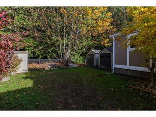 "Photo 18: 18 45955 SLEEPY HOLLOW Road: Cultus Lake Manufactured Home for sale in ""Liumchen Village"" : MLS®# R2318464"