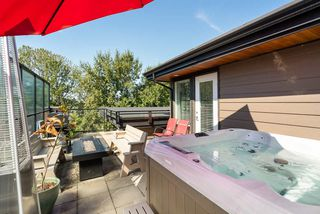 "Main Photo: 632 733 W 3RD Street in North Vancouver: Hamilton Condo for sale in ""THE SHORE"" : MLS®# R2325628"