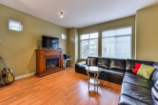 Photo 3: 22 8726 159 Street in Surrey: Fleetwood Tynehead Townhouse for sale : MLS®# R2325958