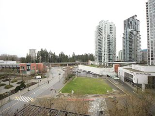 "Photo 10: 809 2982 BURLINGTON Drive in Coquitlam: North Coquitlam Condo for sale in ""Edgemont Westwood Village"" : MLS®# R2328323"
