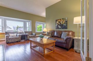 Photo 3: 2617 ST GEORGE Street in Port Moody: Port Moody Centre House for sale : MLS®# R2330670