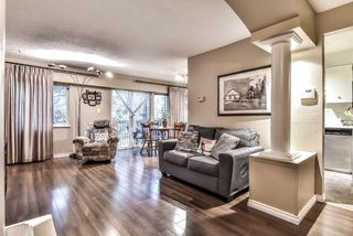 """Photo 4: 35 10565 153RD Street in Surrey: Guildford Townhouse for sale in """"Guildford Mews"""" (North Surrey)  : MLS®# R2334921"""
