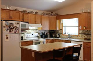 Photo 5: 8 100 HOME Street North in Steinbach: R16 Condominium for sale : MLS®# 1902753