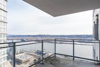 """Photo 10: 2606 892 CARNARVON Street in New Westminster: Downtown NW Condo for sale in """"AZURE 2"""" : MLS®# R2355138"""