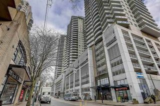 """Main Photo: 2606 892 CARNARVON Street in New Westminster: Downtown NW Condo for sale in """"AZURE 2"""" : MLS®# R2355138"""