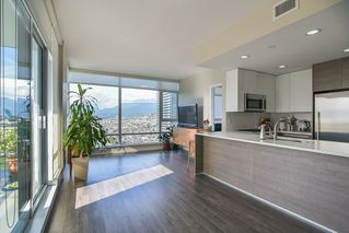 """Photo 4: 2503 4485 SKYLINE Drive in Burnaby: Brentwood Park Condo for sale in """"ALTUS AT SOLO DISTRICT"""" (Burnaby North)  : MLS®# R2356833"""